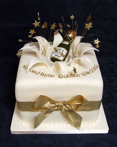 Golden Wedding Anniversary Cakes  Wedding Anniversary Cakes Reading Berkshire