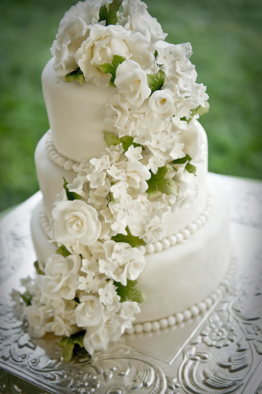 Gorgeous Wedding Cakes  25 Jaw Dropping Beautiful Wedding Cake Ideas MODwedding