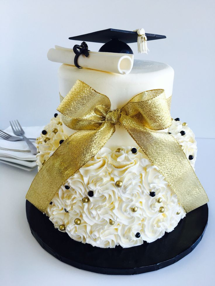 Graduation And Birthday Cake  72 best Black and Gold Graduation images on Pinterest