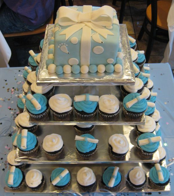 Graduation Cupcakes Decorating Ideas  Best 25 Graduation cupcakes ideas on Pinterest