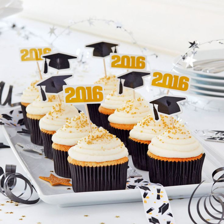 Graduation Cupcakes Decorating Ideas  25 best ideas about Graduation Cupcakes on Pinterest