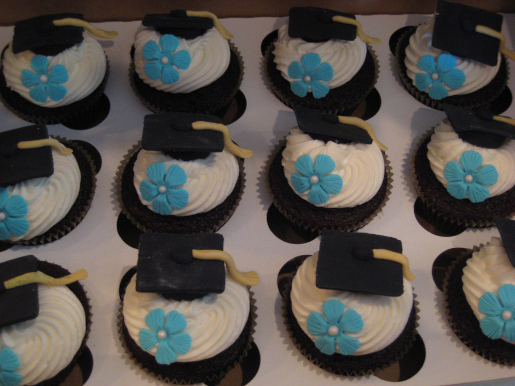 Graduation Cupcakes Decorating Ideas  Graduation cupcakes
