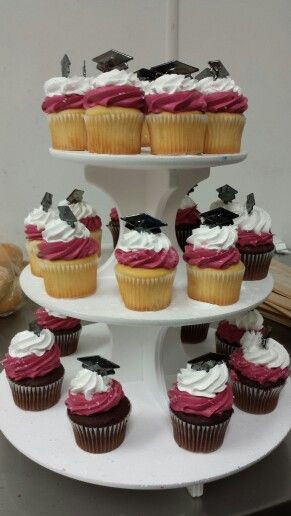 Graduation Cupcakes Walmart  88 best images about Lizzy s cake on Pinterest