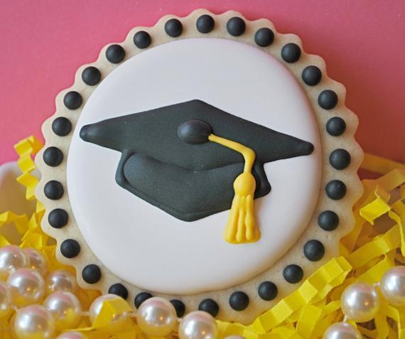 Graduation Sugar Cookies  Graduation Cap Decorated Sugar Cookies by sweetgoosiegirl