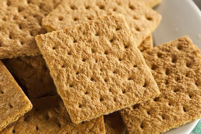 Graham Cracker Snacks Healthy  Zip It Up 25 Snacks to Tighten Up Your Tummy