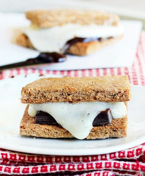Graham Cracker Snacks Healthy  Secretly Healthy Graham Crackers Perfect for S mores