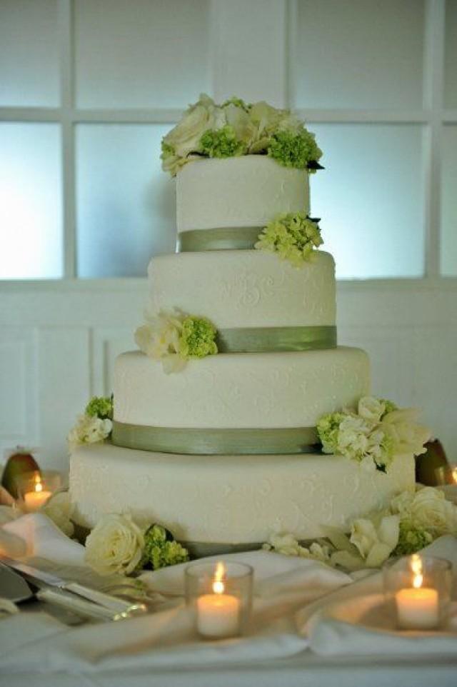 Green And White Wedding Cake  Green Wedding Green And White Wedding Cake
