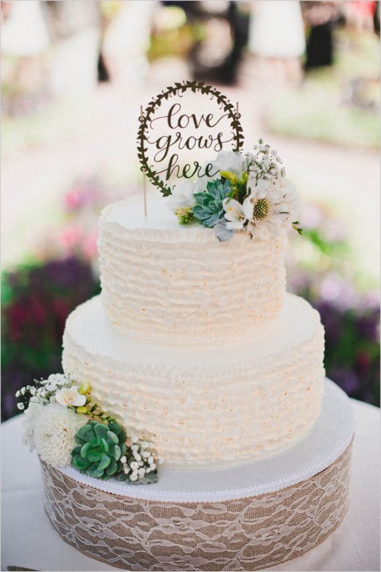 Green And White Wedding Cake  40 Romantic and Timeless Green Wedding Color Ideas
