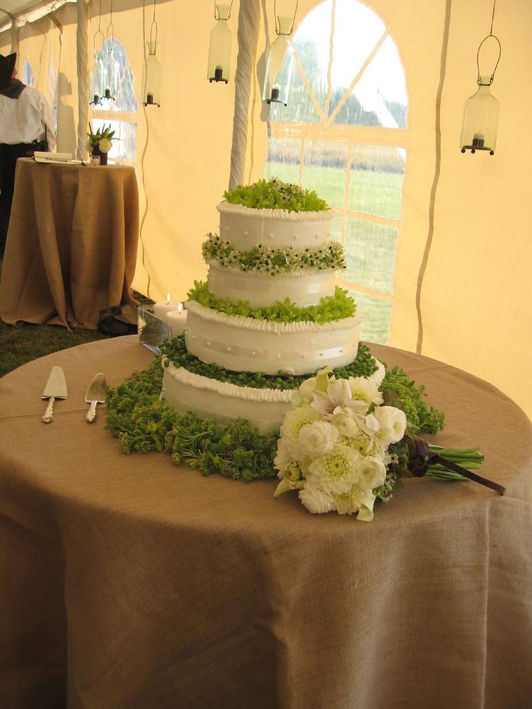 Green And White Wedding Cake  File Wedding cake white and green