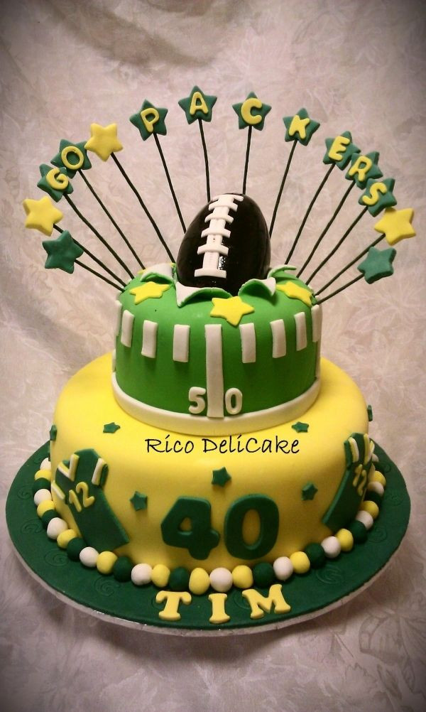 Green Bay Wedding Cakes  25 best ideas about Packers Cake on Pinterest