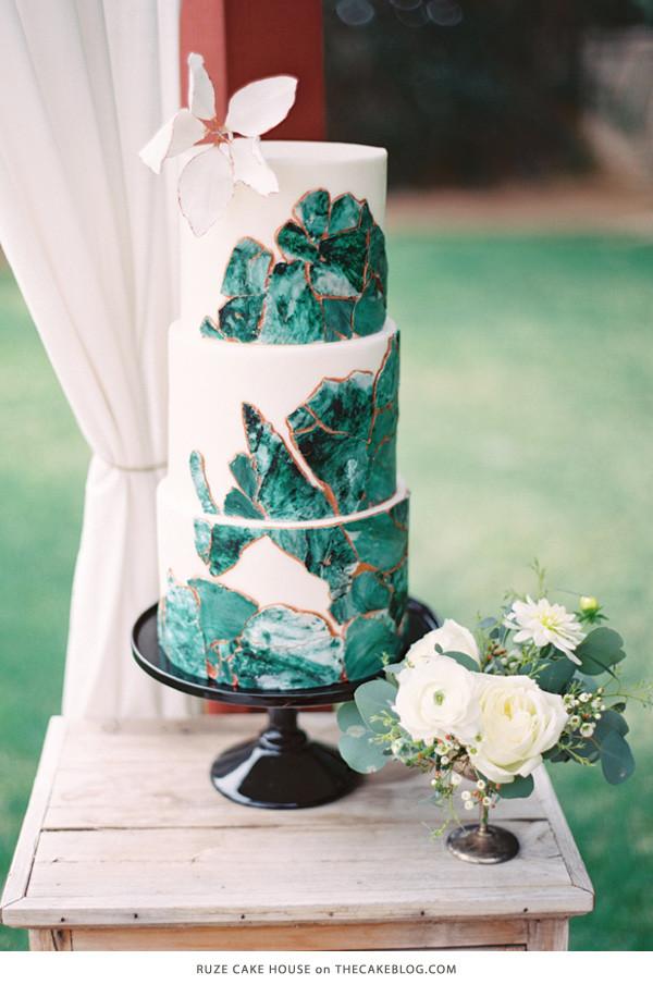 Green Wedding Cakes  10 Gorgeously Green Cakes