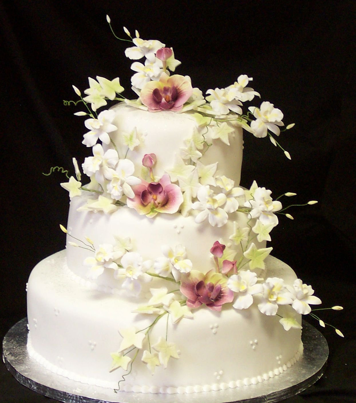 Gumpaste Flowers For Wedding Cakes  Gum paste flowers for wedding cakes idea in 2017