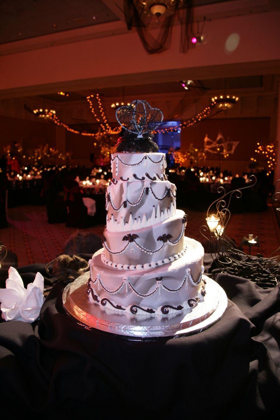 Halloween Themed Wedding Cakes  5 Enchantingly Amazing Disney Wedding Cakes Themes