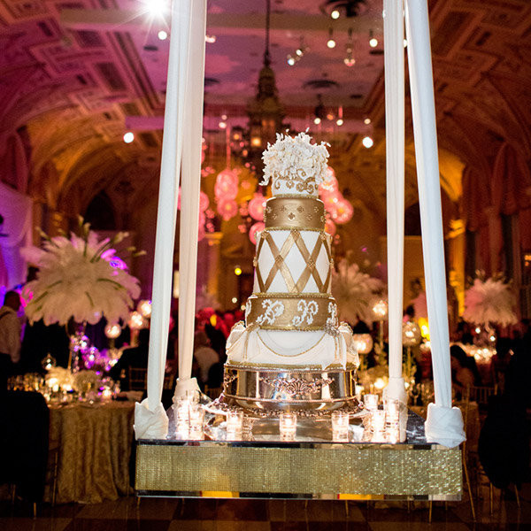 Hanging Wedding Cakes  Trend We Love Gravity Defying Wedding Cakes