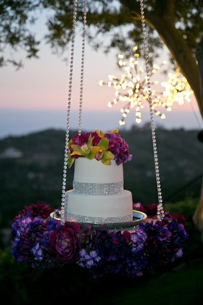 Hanging Wedding Cakes  Wedding Cake Trend for 2014 Gravity Defying Wedding Cakes
