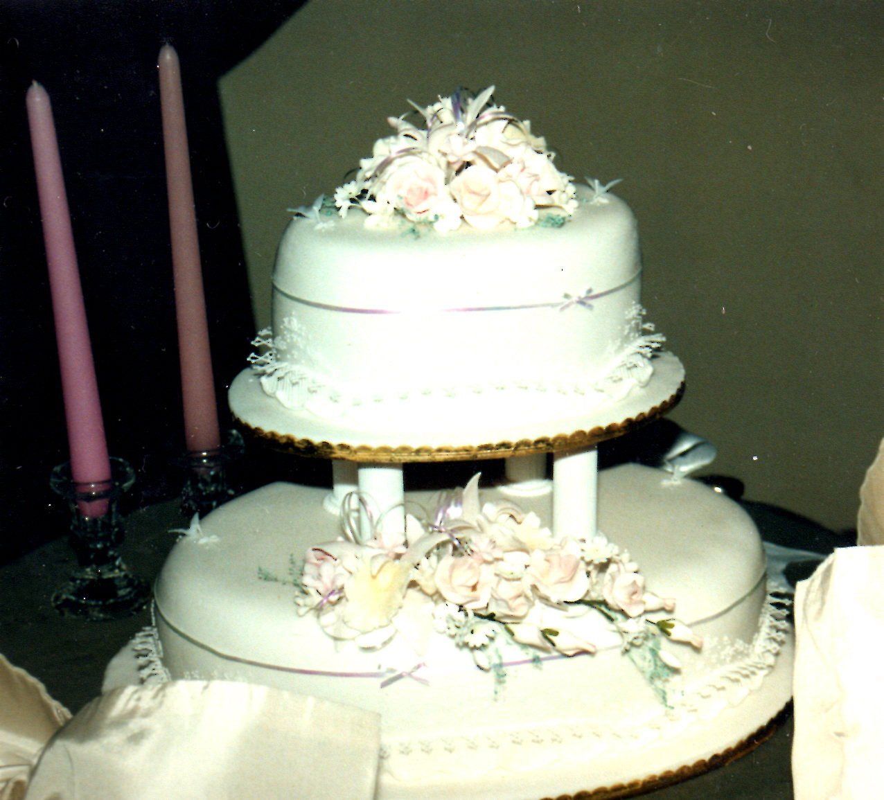 Harps Wedding Cakes  Wedding Planning A Small Bud