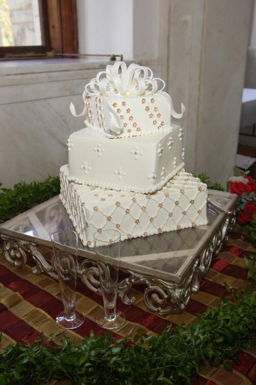 Harps Wedding Cakes  Wedding of Chrissy and Eric
