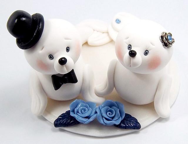 Harps Wedding Cakes  Harp Seals Theme Wedding Cake Topper