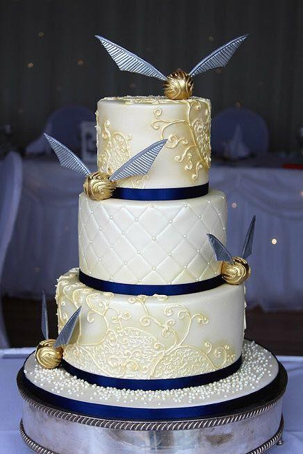 Harry Potter Wedding Cakes  126 best Cakes Harry Potter images on Pinterest