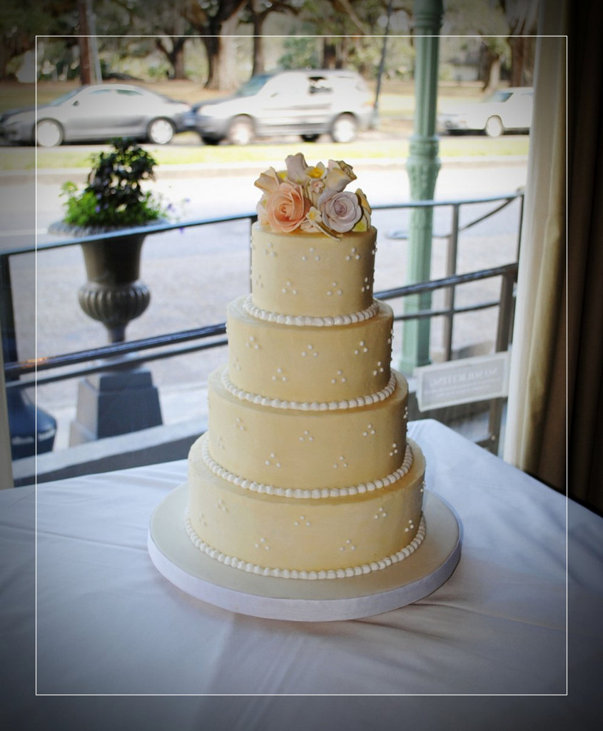 Haydels Wedding Cakes  Wedding Cake Haydels Russian Cake Pure Cake New Orleans