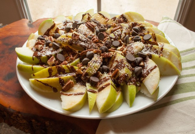 Healthy Apple Nachos  Apple Nachos Create Mindfully