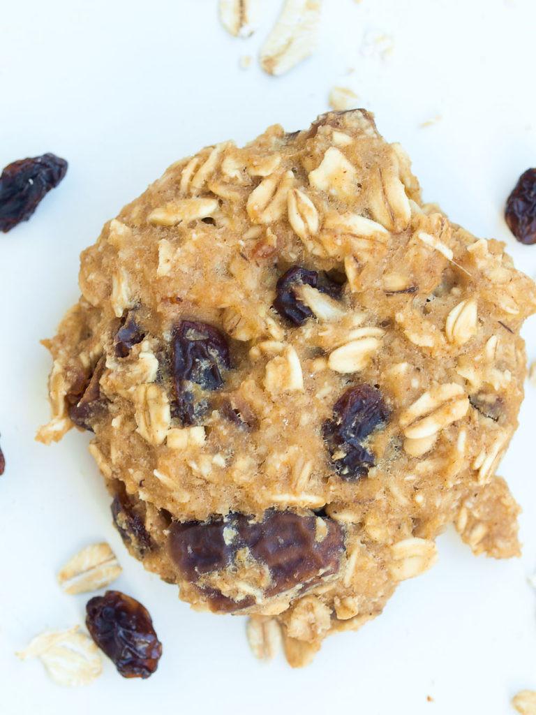 Healthy Applesauce Oatmeal Cookies  healthy oatmeal breakfast cookies applesauce
