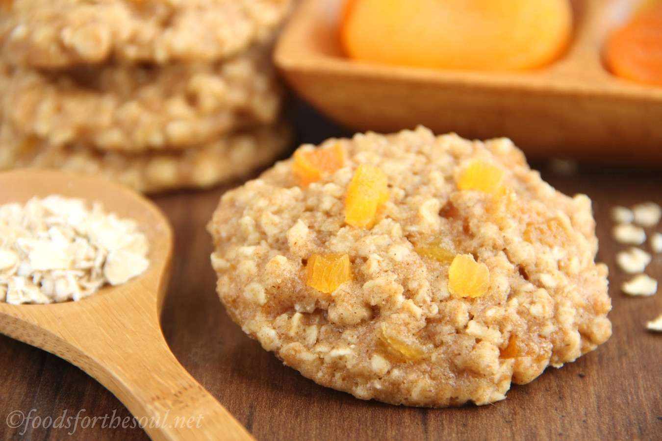Healthy Apricot Recipes  Apricot Oatmeal Cookies