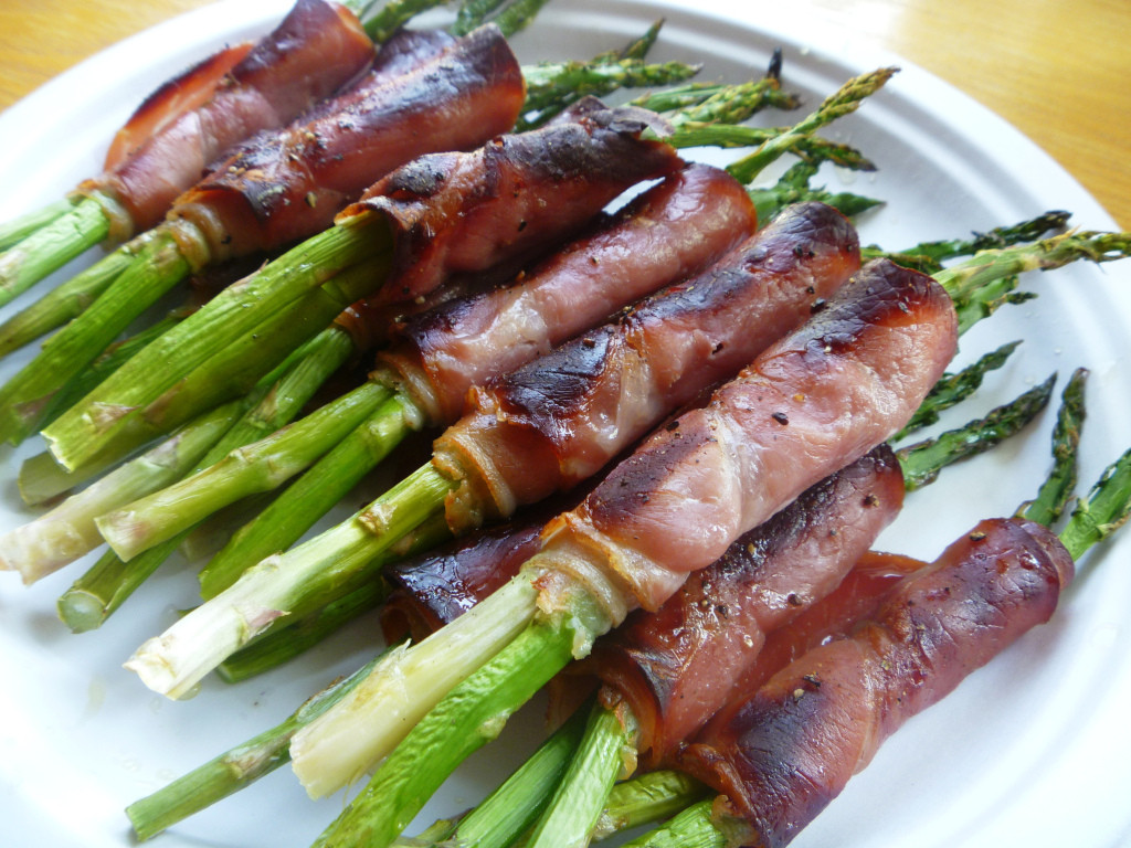 Healthy Asparagus Recipes  Prosciutto Wrapped Asparagus
