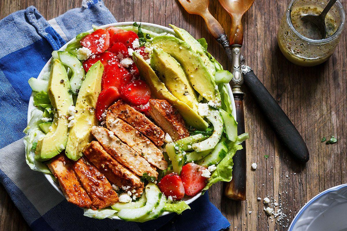 Healthy Avocado Chicken Salad  Grilled Chicken Salad Recipe with Avocado – strawberries