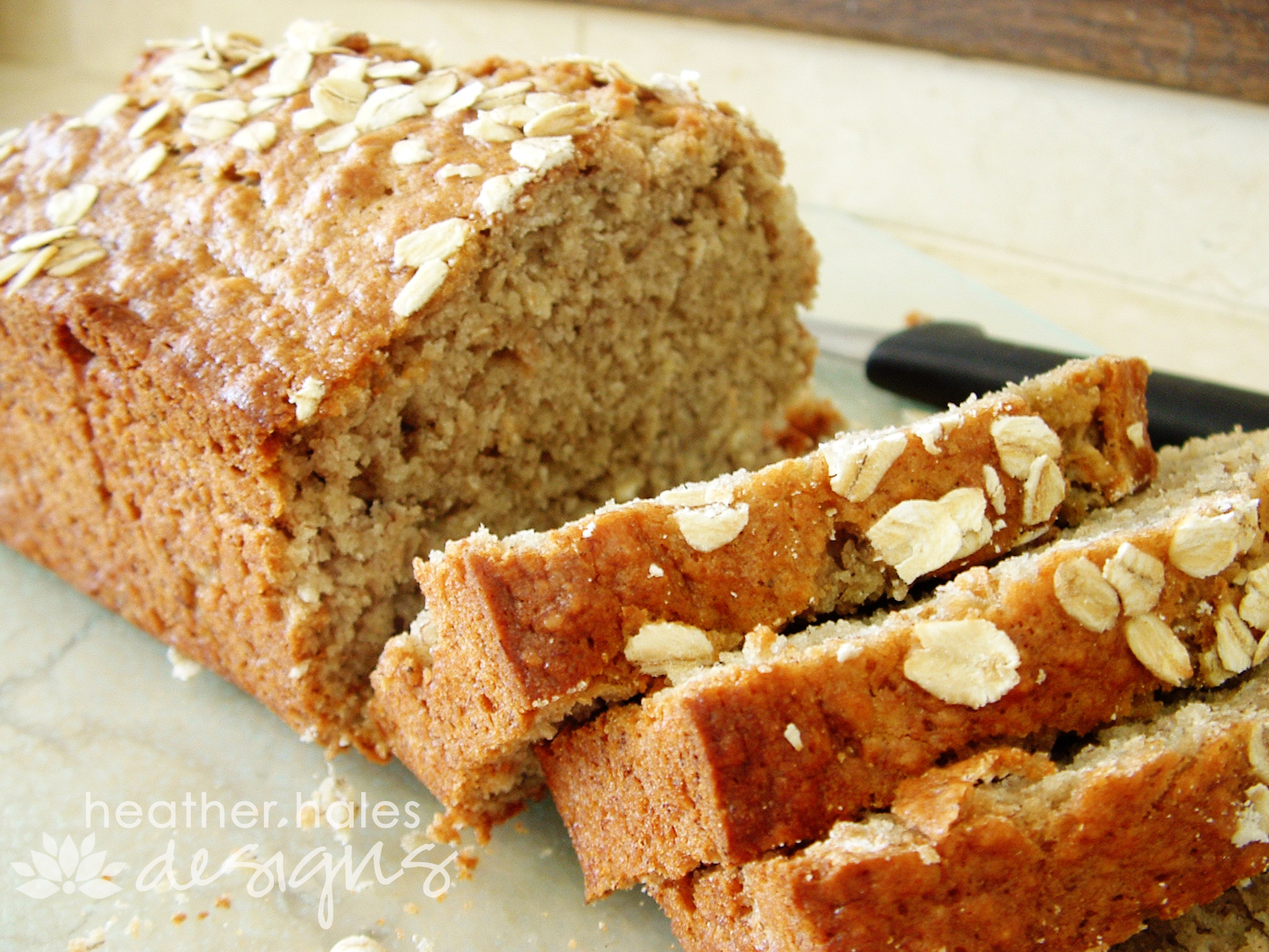 Healthy Banana Bread Recipe With Oats  oatmeal banana bread with applesauce