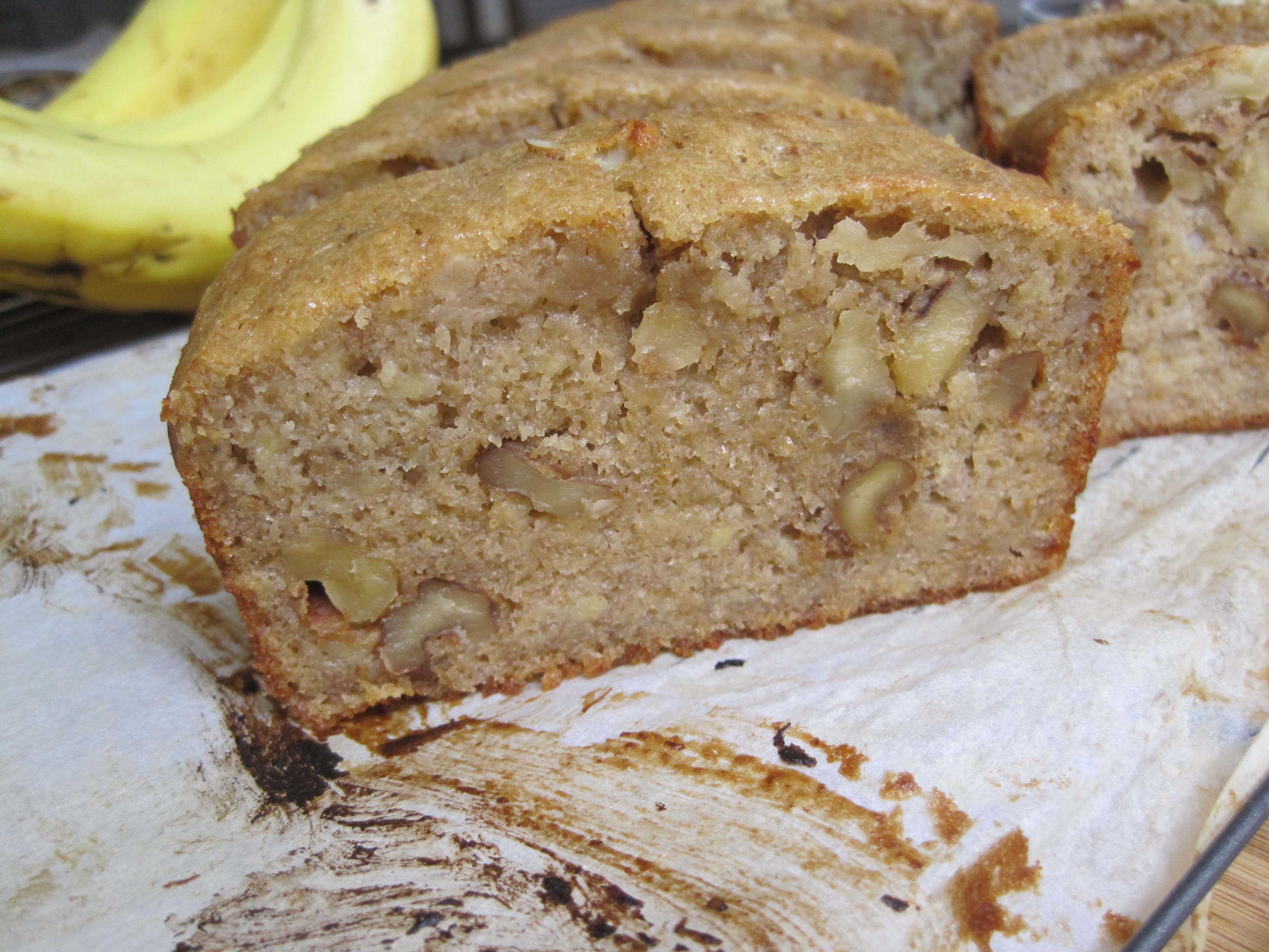Healthy Banana Nut Bread  went bananas for this healthy banana nut bread