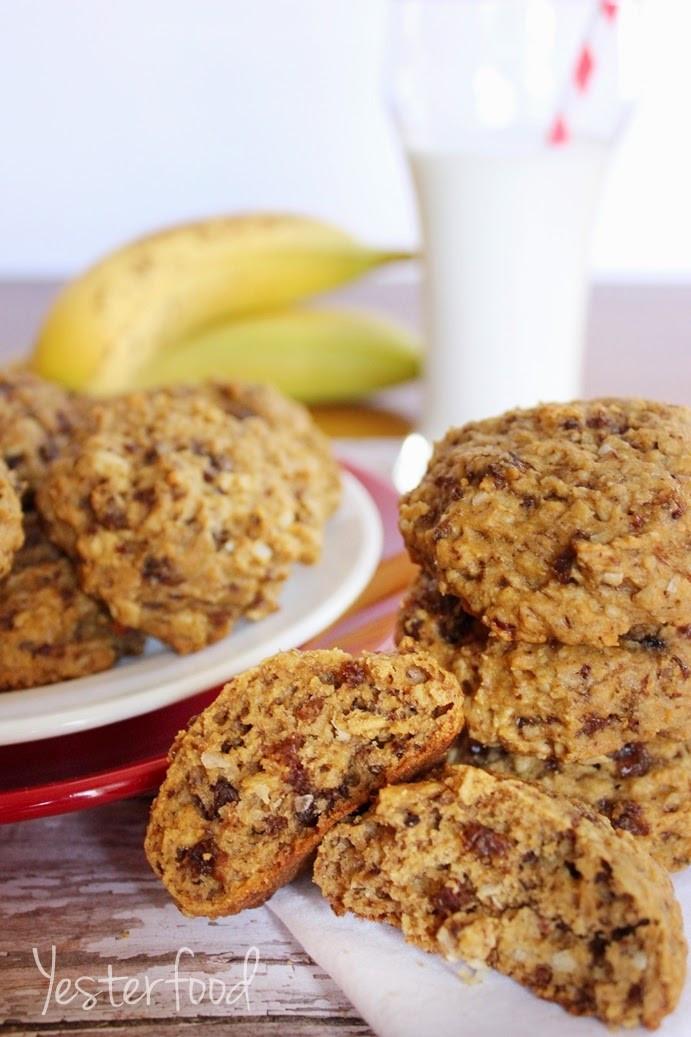 Healthy Banana Oatmeal Breakfast Cookies  Yesterfood Banana Oatmeal Breakfast Cookies