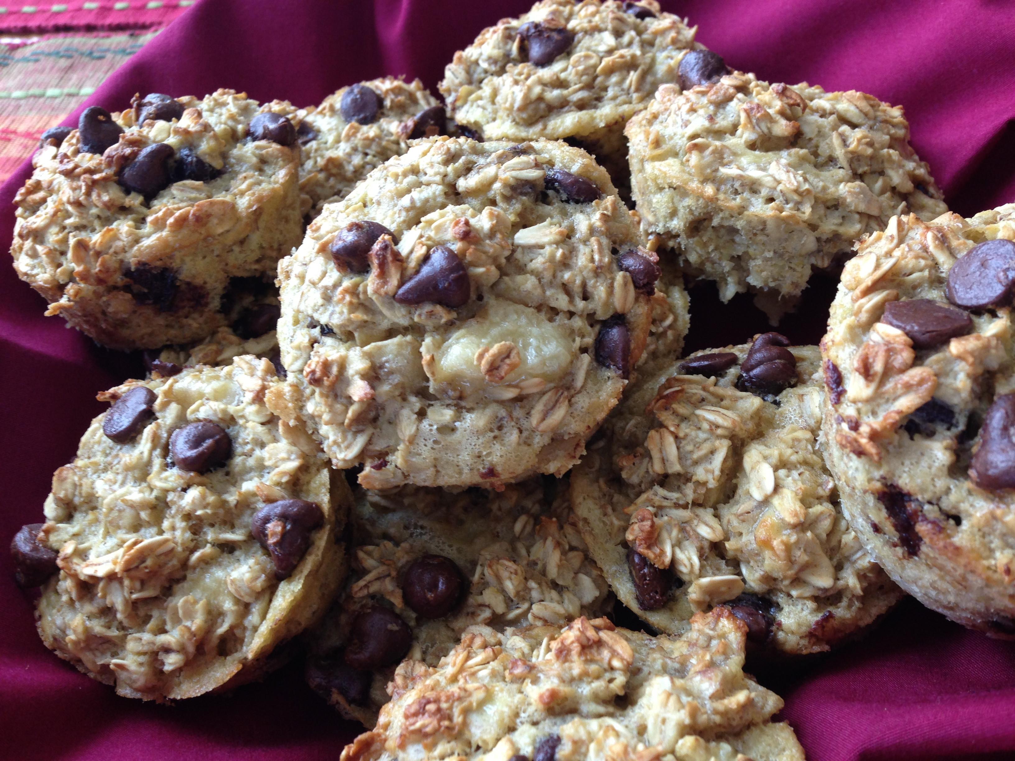 Healthy Banana Oatmeal Chocolate Chip Muffins  Hearty Heart Healthy Oatmeal Banana Chocolate Chip