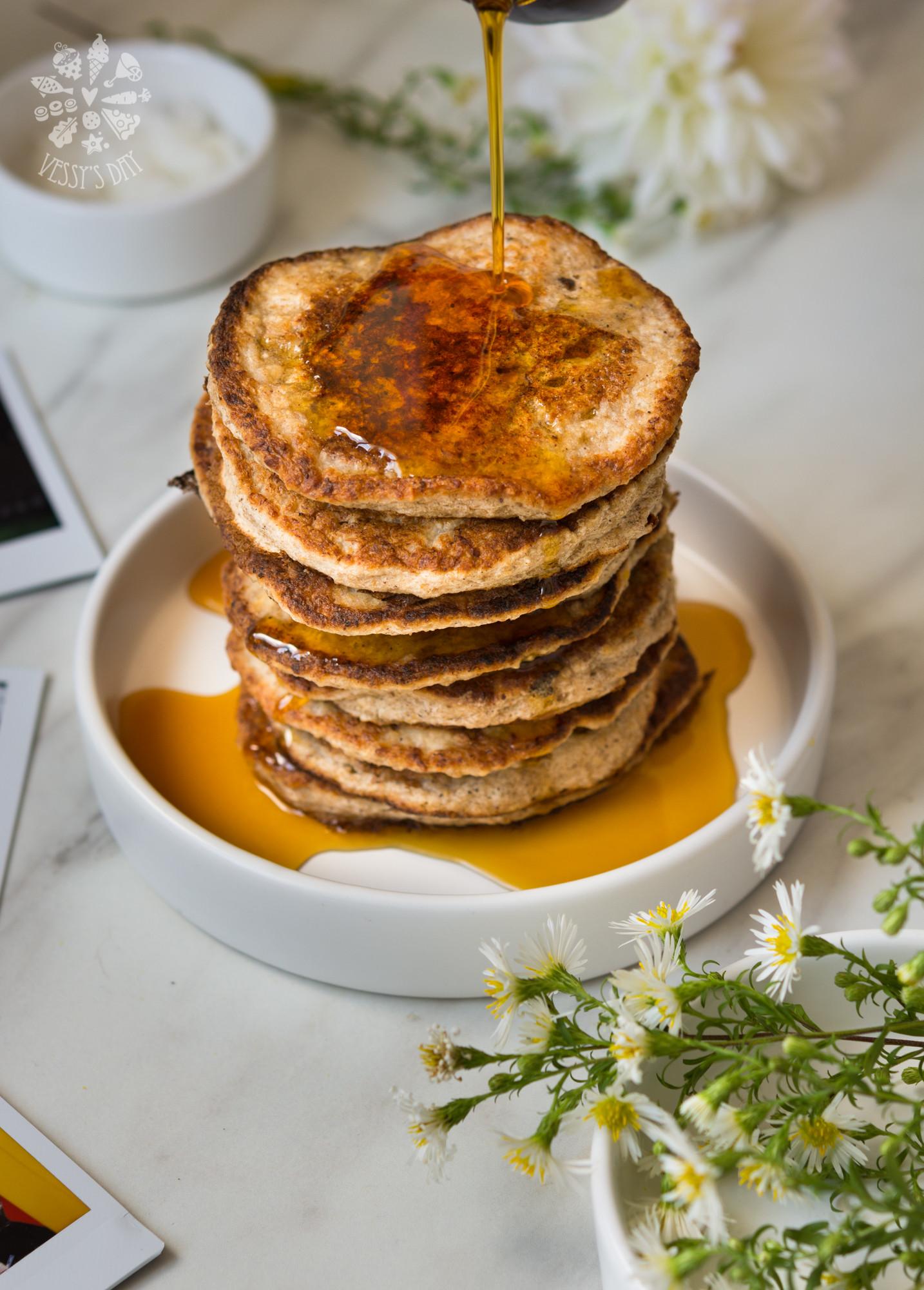 Healthy Banana Pancakes  Healthy banana pancakes gluten free