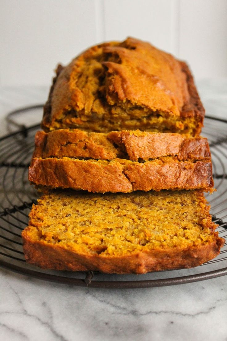 Healthy Banana Pumpkin Bread With Applesauce  banana bread recipe with applesauce and yogurt