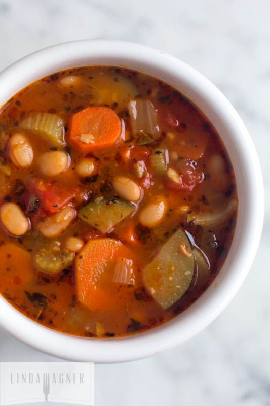 Healthy Bean Soup Recipes Weight Loss  This Easy Ve able and Canellini Bean Soup is deliciously