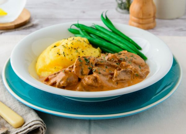 Healthy Beef Stroganoff Recipe  The Family Will Love This e Pot Beef Stroganoff