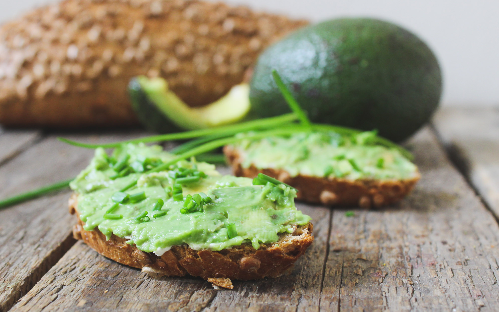 Healthy Bread Spread  Easy Avocado Lemon Spread on Wholemeal Bread BesmartEatsmart