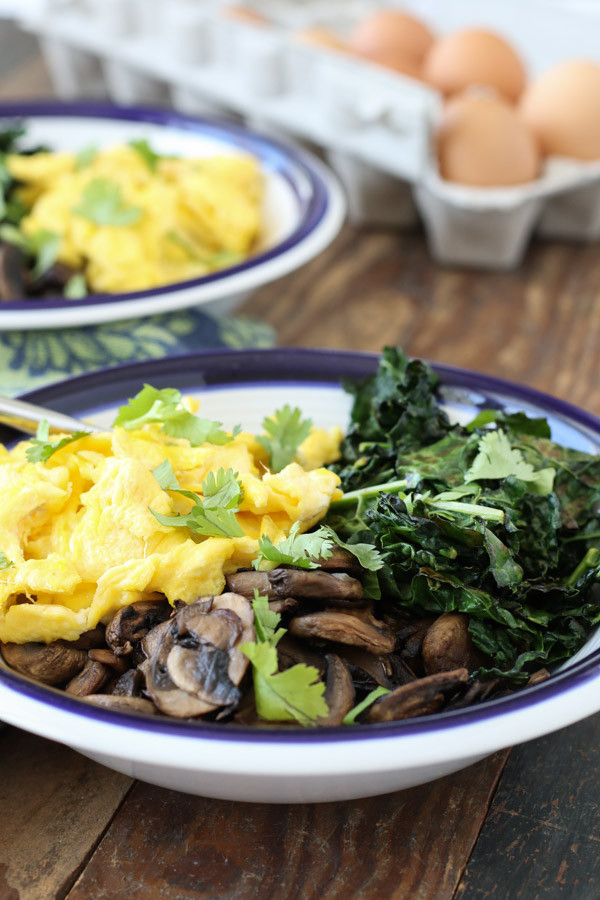 Healthy Breakfast Bowls With Eggs  veggie and egg healthy breakfast bowl