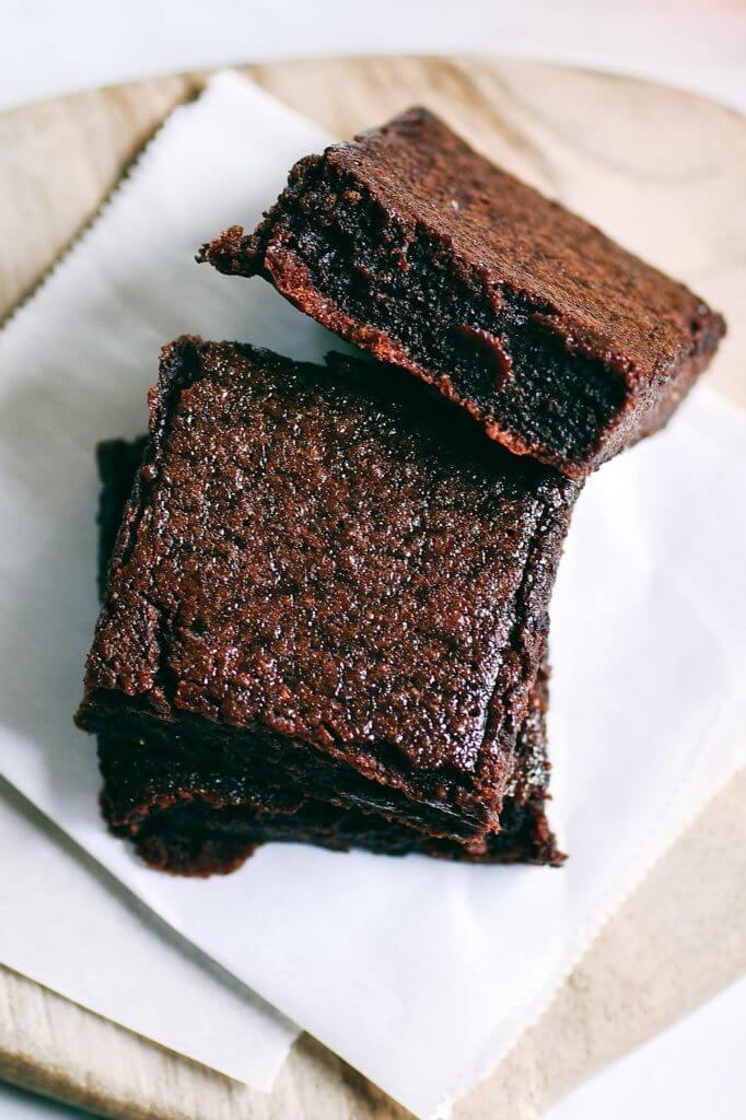 Healthy Brownies With Applesauce  Fudgey Paleo Applesauce Brownies Paleo Gluten Free Eats