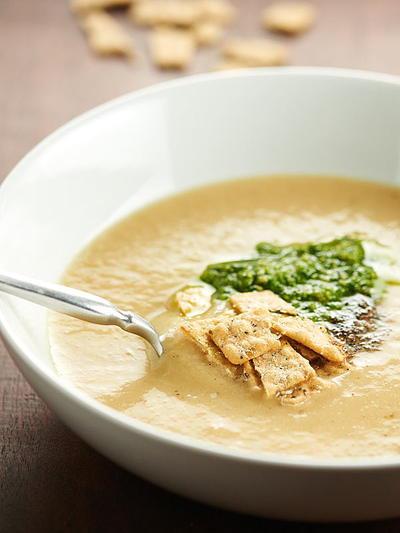 Healthy Cauliflower Soup  Healthy Cauliflower Leek Soup