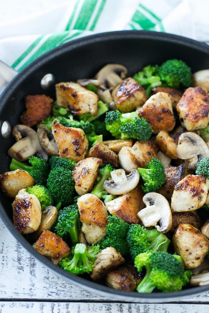 Healthy Chicken And Broccoli Stir Fry  Chicken and Broccoli Stir Fry Dinner at the Zoo