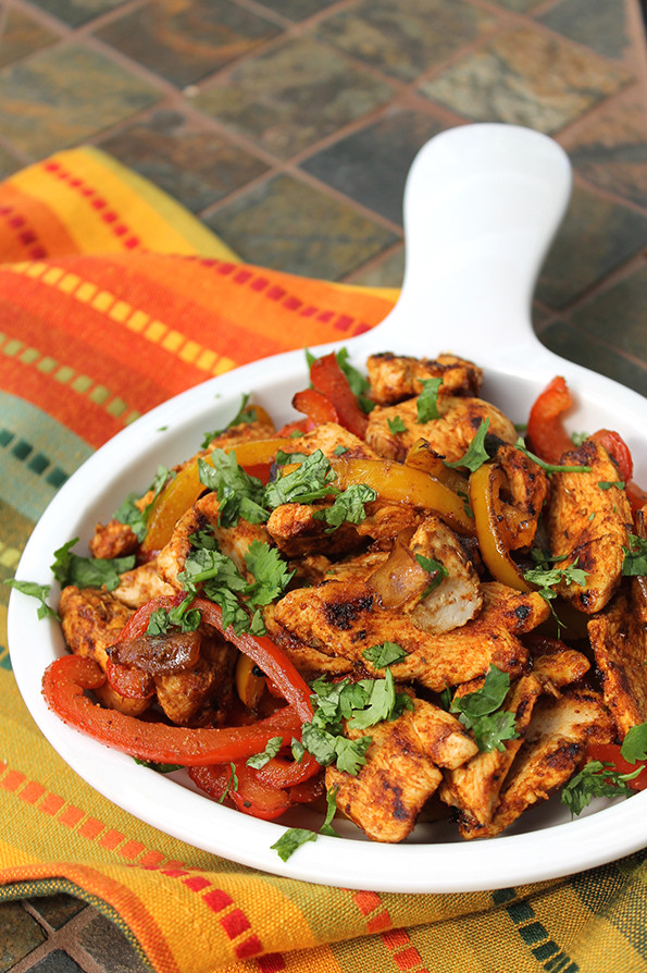 Healthy Chicken Fajitas  Healthy Chicken Fajitas and Peppers The Lean Clean
