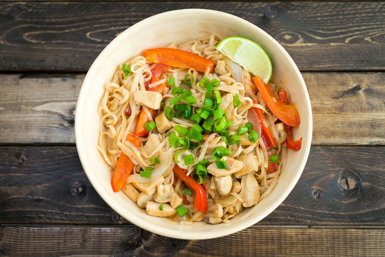 Healthy Chicken Pad Thai  Healthy Chicken Pad Thai Recipe