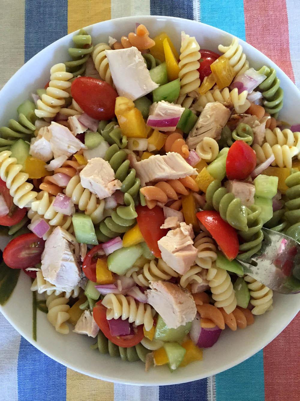 Healthy Chicken Pasta Salad  Easy Chicken Pasta Salad – Healthy Main Dish Pasta Salad