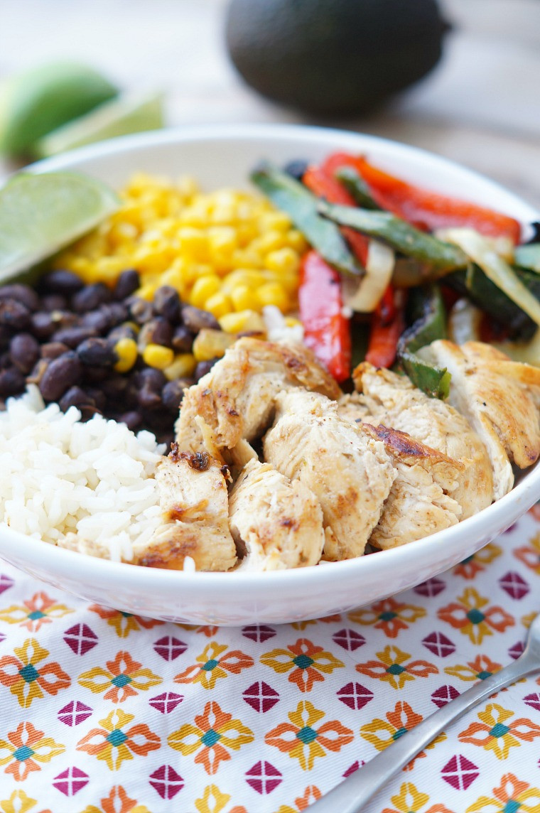 Healthy Chicken Recipes For Dinner  Chicken Fajita Rice Bowls