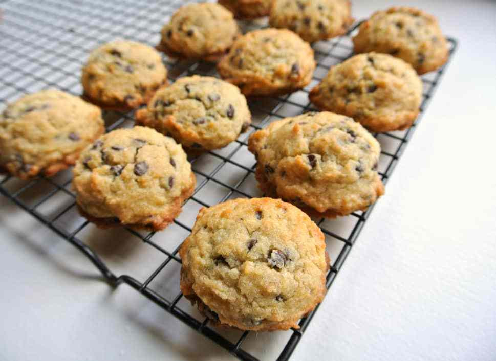 Healthy Chocolate Chip Cookies  Stupid Easy Trim Healthy Mama Chocolate Chip Cookies