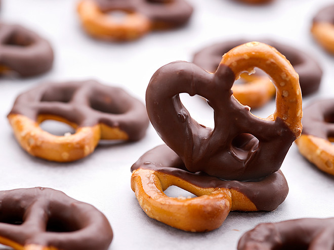 Healthy Chocolate Covered Pretzels  8 Healthy Snacks You Can Make in the fice