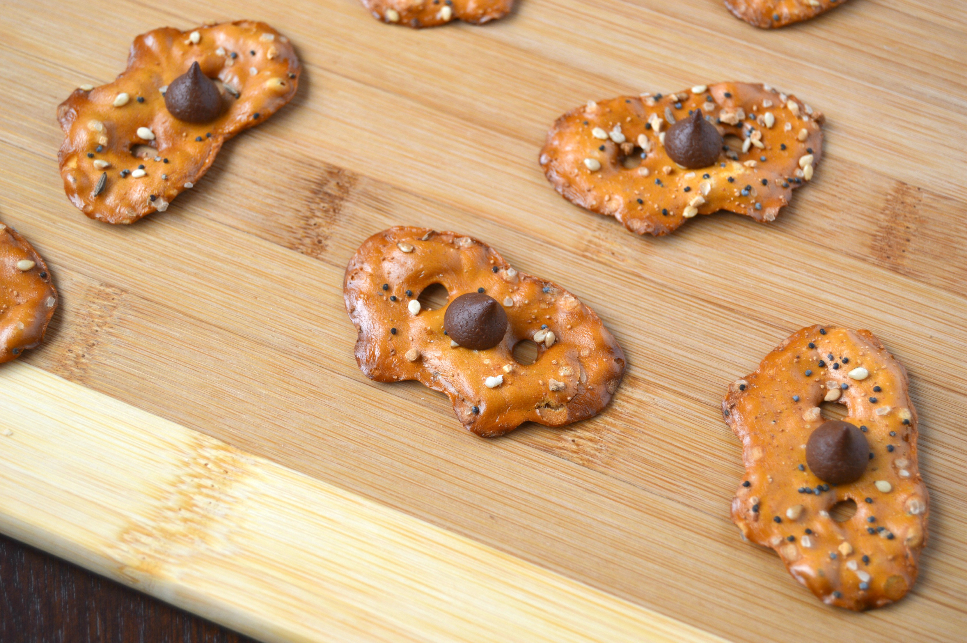 Healthy Chocolate Covered Pretzels  Healthy Sweet and Salty Chocolate Pretzels