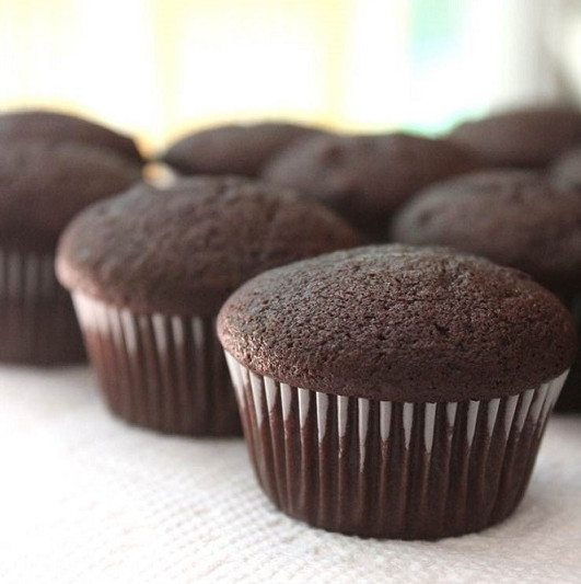 Healthy Chocolate Cupcakes 20 Best Ideas Two Ingre Nt Healthy Chocolate Cupcakes No Joke